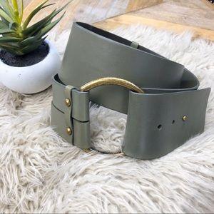 •BANANA REPUBLIC•Wide Leather Olive Statement Belt